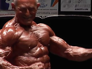Bodybuilder Mature Daddy Manuel Vanbruna (No Sex With Music) 10:14 2020-05-10