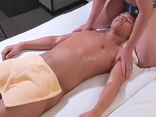 Japanese Massage With Bare Service 28:32 2021-01-06